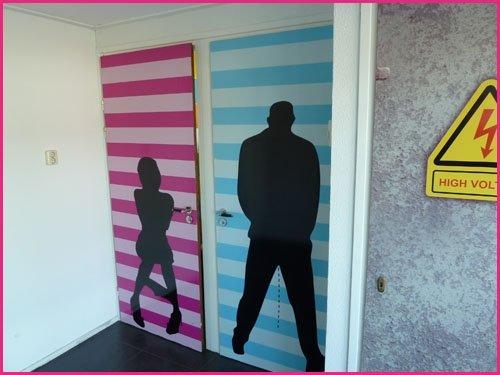 Deurposter toilet man en vrouw